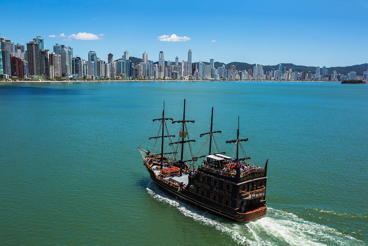 Barco Pirata Balneário Camboriú