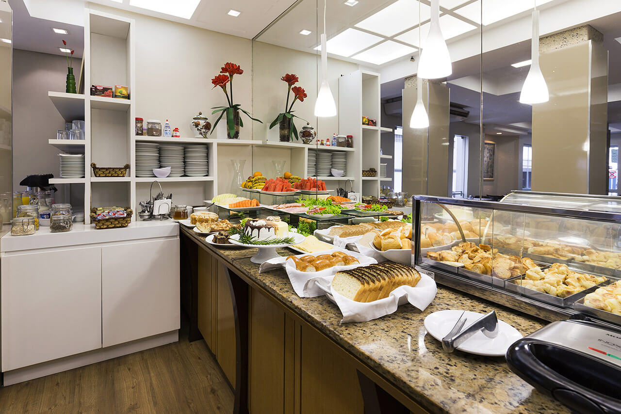 Foto Café da Manhã com pães Tropikalya Prime Hotel